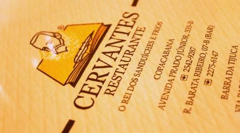 Cervantes com queijo e abacaxi