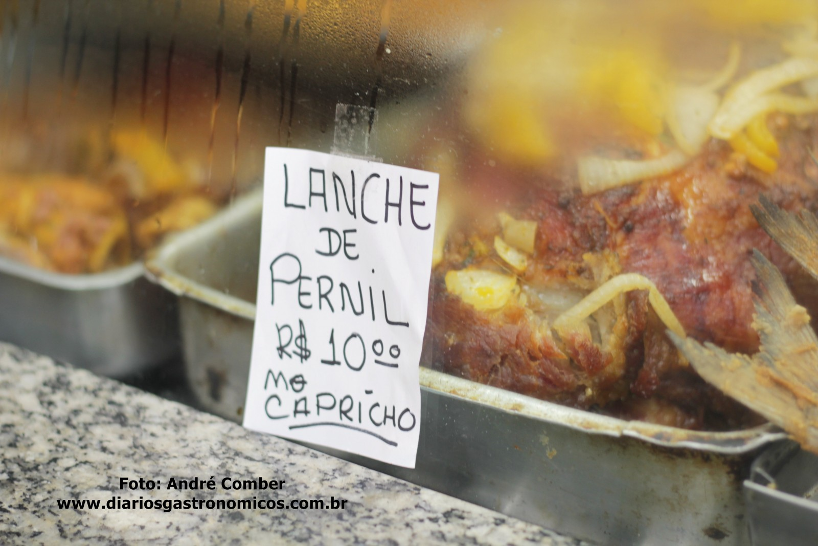 Mercado da Lapa, Sao Paulo, lanche de pernil