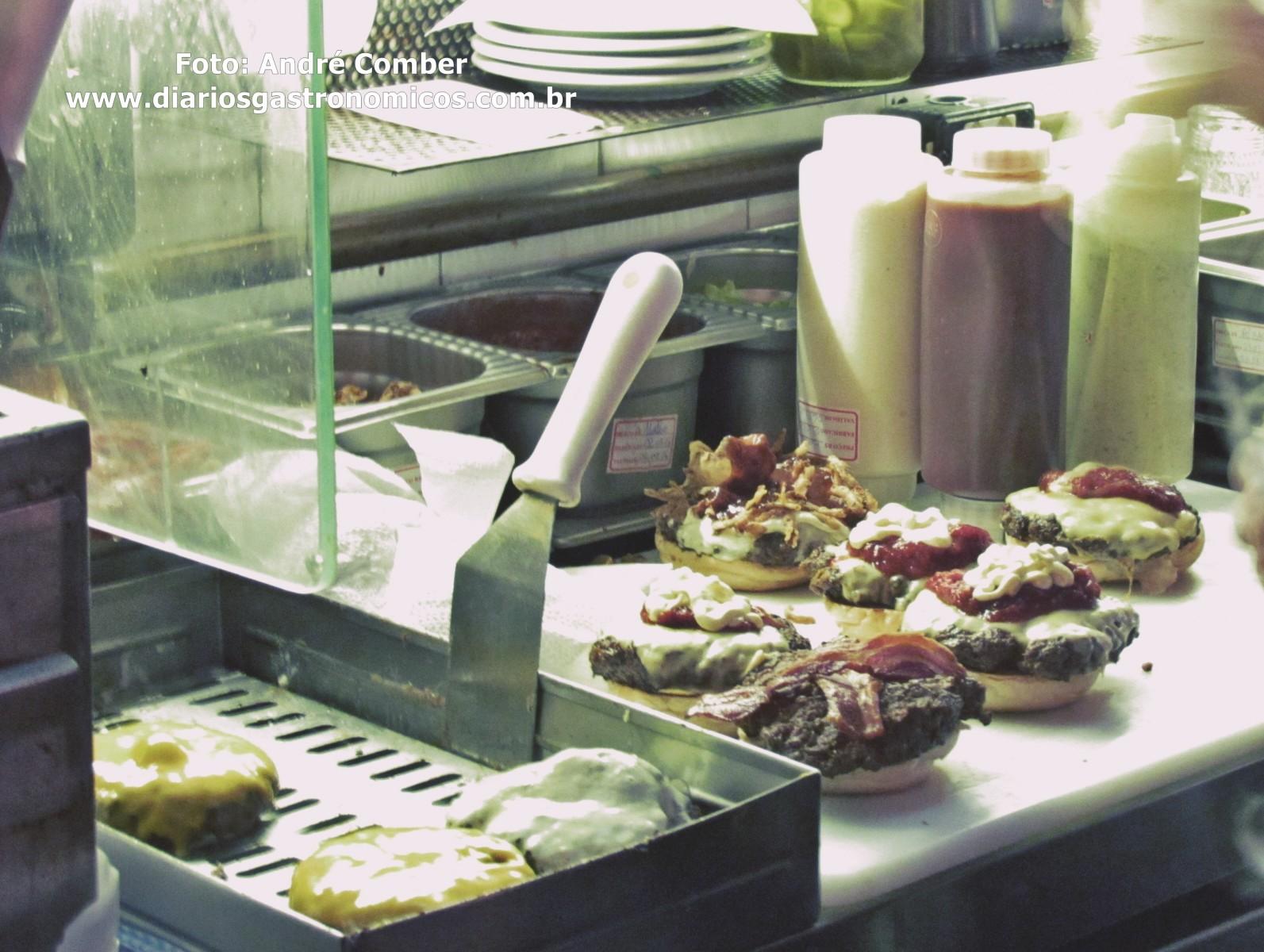 Holy Burger - montagem burger